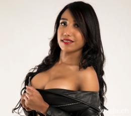 Ana aus Kolumbien Privat und alleine