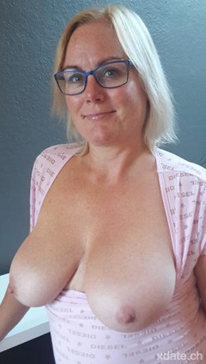 Suchen private sex hausfrauen Einsame Hausfrauen